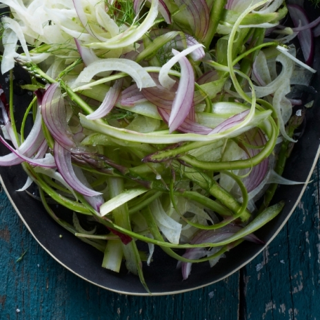A simple Asparagus and Fennel Salad recipe that even asparagus skeptics will enjoy! | from the Make It Easy cookbook by Stacie Billis | staciebillis.com