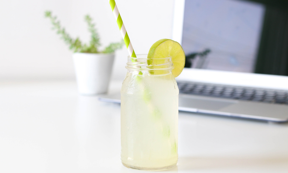 Copycat Starbucks Green Tea Lemonade recipe | Stacie Billis